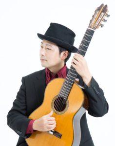 タンゴ・グレリオ 米阪隆広(ギター)